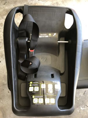 MaxiCosi Infant Car Seat Base (Car Seat NOT Included) for Sale in Pasadena, CA