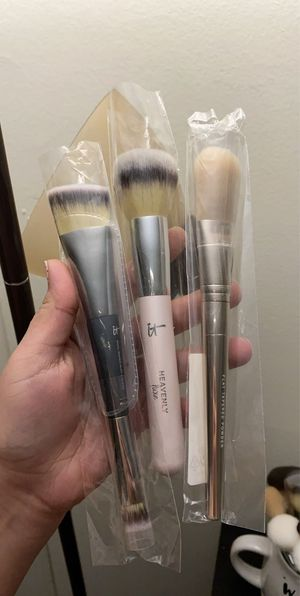 Makeup brushes new for Sale in Lancaster, PA