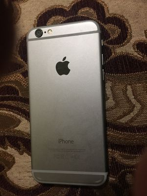 I phone 6 nothing wrong no scratches with geniune handfree carier boost for Sale in Lodi, CA