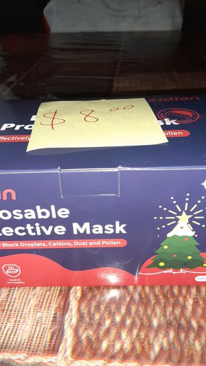 Cubre bocas _ Christmas face mask for Sale in City of Industry, CA
