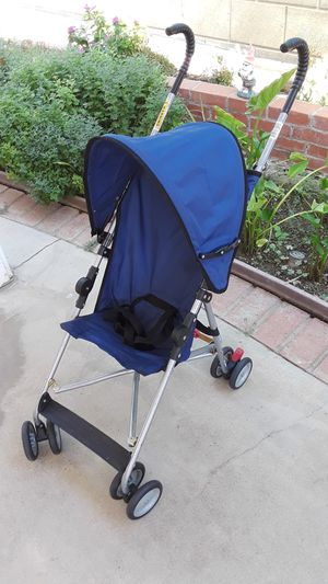 Umbrella stroller. for Sale in Riverside, CA