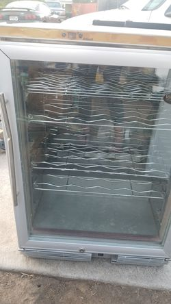 Vinotemp wine refrigerator for Sale in Prineville,  OR
