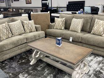 2 Pc Sofa/loveseat Set for Sale in Fresno,  CA