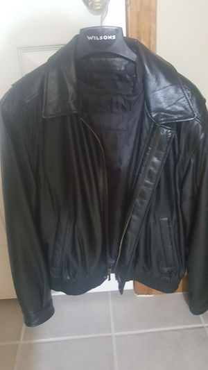 Mens Leather Bomber Coat for Sale in Raymore, MO