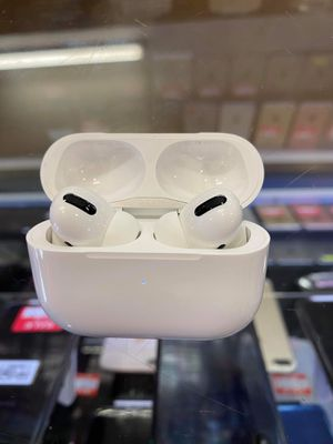 Airpods pro for Sale in Sunrise Manor, NV