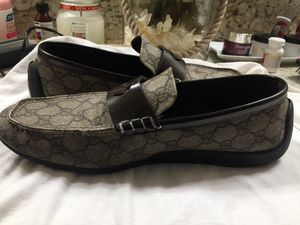 Zapatos originales gucci size 10 ( not box o recipe) for Sale in Fresno, CA