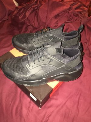 Nike huraches ultra for Sale in Bronx, NY