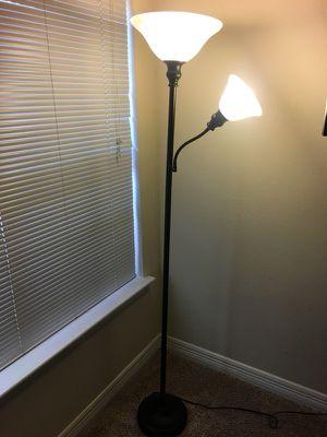 2 bulb adjustable lamp for Sale in Atlanta, GA