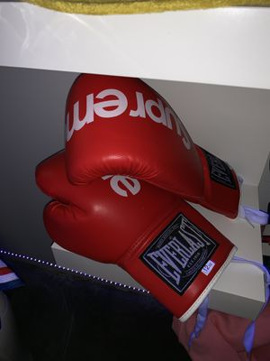 Supreme boxing gloves for Sale in Richmond, VA