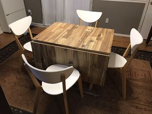 Extendable Dining Table and 4 chairs for Sale in Annandale, VA
