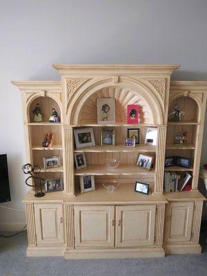 Bookcase/Bookshelf for Sale in North Miami, FL