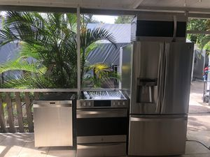 For sale kitchen set kenmore for Sale in Tampa, FL