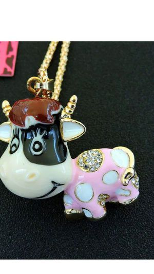 Betsey Johnson cute 3 d Little polka dot cow 3 inches high on gold chain gift boxed I ship same day for Sale in Northfield, OH