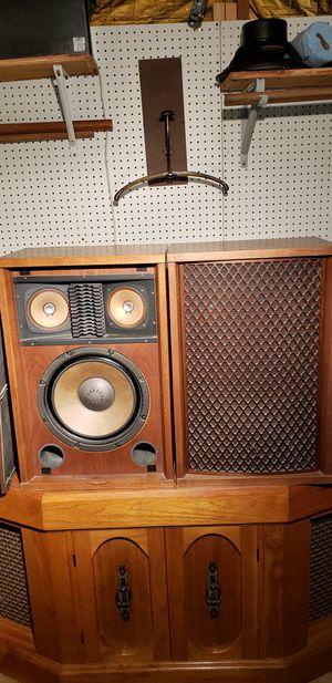 SPEAKERS SANSUI SP-2500 . for Sale in Oak Lawn, IL