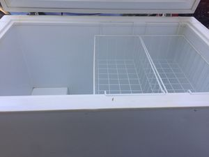 10 cu ft chest freezer. Ice Cold. Ready for pick up. for Sale in Lutz, FL