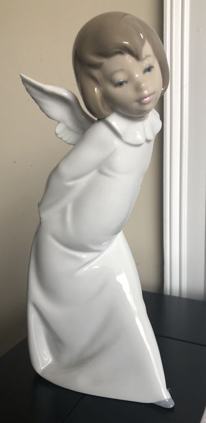 "Lladro Curious Angel 4960 9 1/2"" figurine for Sale in Greer, SC"