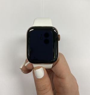 apple watch serie 4 44 mm Stainless Steel gold for Sale in Kissimmee, FL