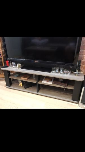 Low TV Stand - Like New for Sale in The Bronx, NY