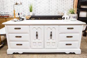 White dresser for Sale in Phoenix, AZ