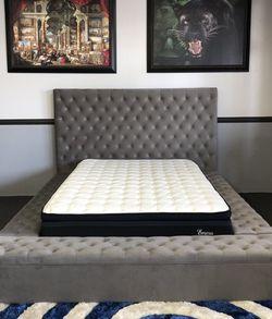 Gray Storage Platform Bed Frame for Sale in Fresno,  CA