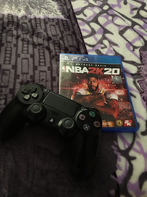 1 game and 1 ps4 controller