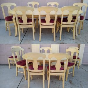 Solid Wood Dining Table With 2 Leaves & 7 Chairs (Mesa, sillas, comedor) for Sale in Modesto, CA