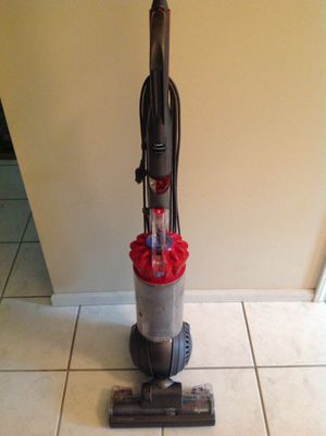 Dyson swivel bagless vacuum model D.C. 40 red for Sale in Stafford Township, NJ