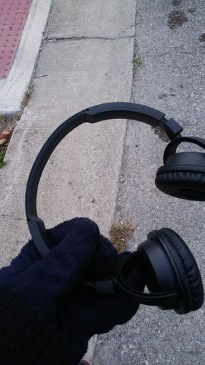 Wireless Bluetooth Headphones for Sale in Indianapolis, IN
