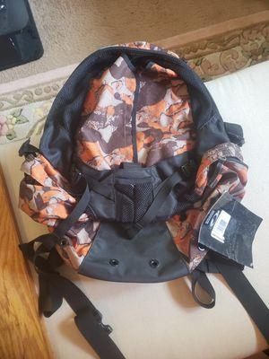 Brand new Oakley snowboard bag for Sale in Mukilteo, WA