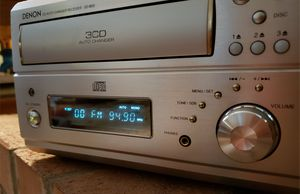 Denon Micro Stereo Receiver CD Changer - Awesome! for Sale in Kent, WA