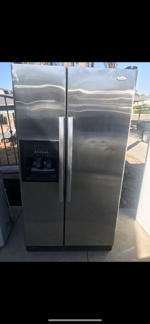 Whirlpool Stainless steel refrigerator for Sale in Chula Vista, CA