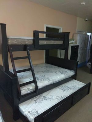 New pinewood bunk beds twin-full with trundle bed for Sale in Victorville, CA