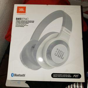 New JbL E 65 wireless headphones for Sale in Corona, CA
