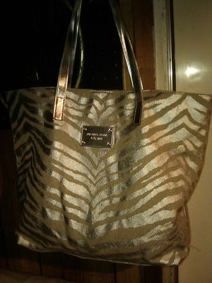 New Michael Kors bag for Sale in Madera, CA