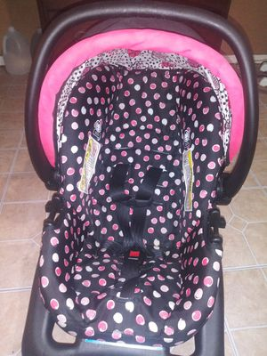 Baby car seat for Sale in Weslaco, TX