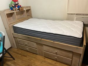 Twin bed and mattress for Sale in Norwalk, CA