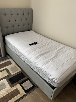Twin bed with mattress for Sale in San Francisco, CA