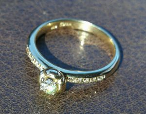 Gold 14K Diamonds ring for Sale in Los Angeles, CA