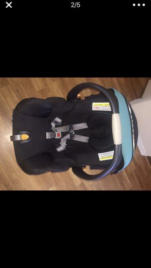 Chicco Car Seat with base for Sale in Colorado Springs, CO