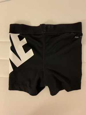 Nike shirt sports panty for Sale in Los Angeles, CA