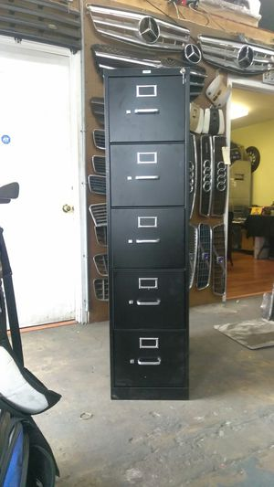 5 drawer file cabinet with lock & key for Sale in Whittier, CA
