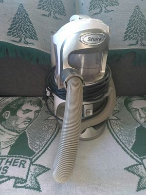 Shark Lift Around Vacuum. $45 for Sale in Oakdale, CA