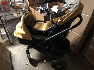 UPPAbaby VISTA Stroller Special Edition Maya Yellow for Sale in San Gabriel, CA