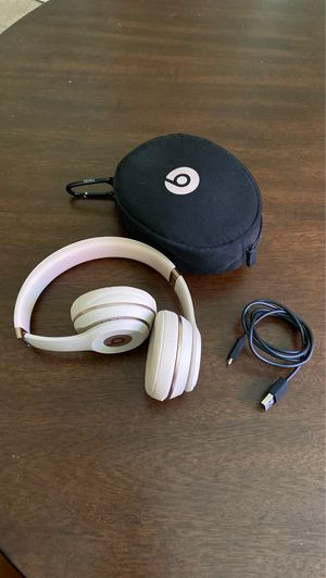 Wireless Solo3 Beats in Rose Gold for Sale in Carlsbad, CA