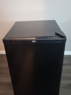 Mini Fridge. Like Brand New. $200, OBO for Sale in Prospect Heights,  IL