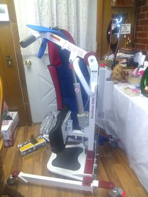BESTCARE 400H HYDRAULIC MEDICAL LIFT for Sale in Nashville, TN