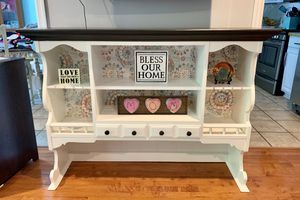 Farmhouse hutch, tv console, accent piece, entryway table for Sale in Pipersville, PA