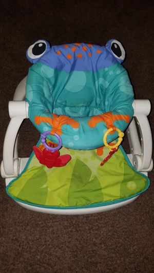 sitting frog and stroller for car seat for Sale in Bakersfield, CA