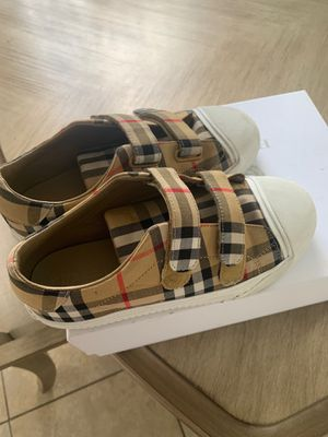 LOVELY BURBERRY KID SHOES for Sale in North Miami Beach, FL
