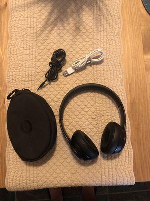 Beats solo3 wireless headphoy for Sale in Tamarac, FL